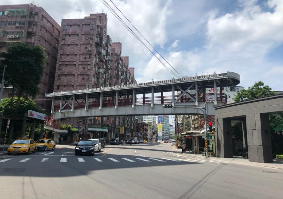 注意!新店大鵬陸橋拆頂蓋大梁 7日起中正路夜間封路